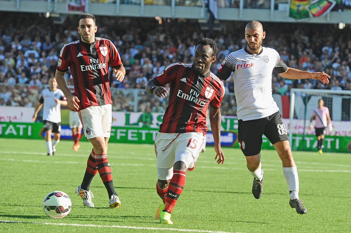 Michael Essien Ebola reports are fake, claim AC Milan