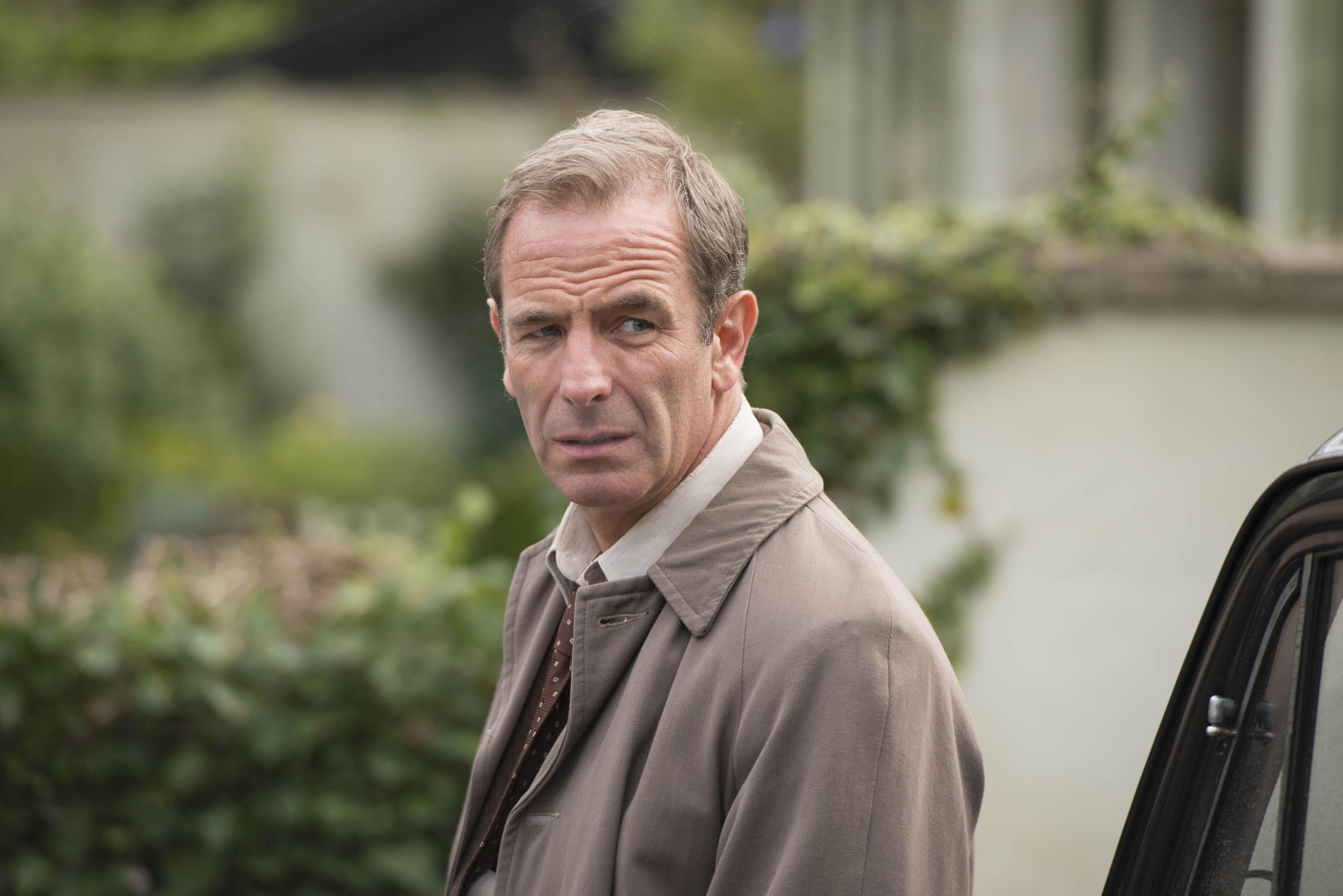 Vicar left questioning his faith after Grantchester's Robson Green 'ran off with his wife'