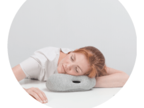 Nappers of the world rejoice – the Ostrich Pillow Mini has got your back, and your neck, and…