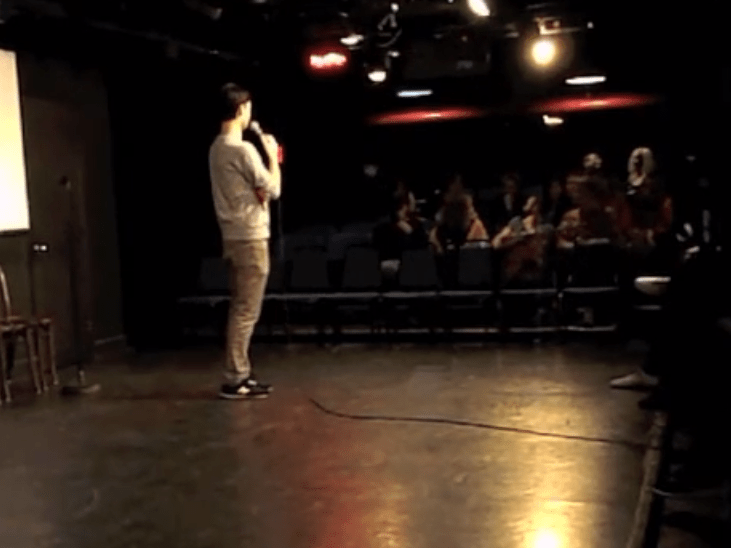 Police heckle comedian while arresting someone during his show