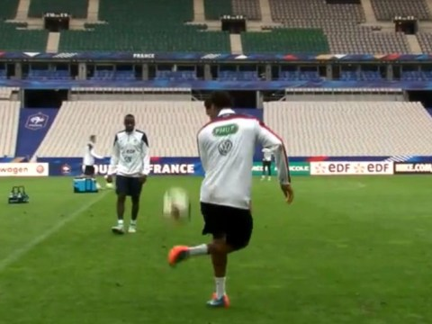 Real Madrid centre back Raphael Varane pulls of sexiest first touch ever during France training