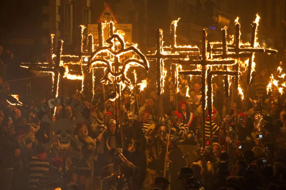 Lewes bonfire night 2014 goes off with a bang