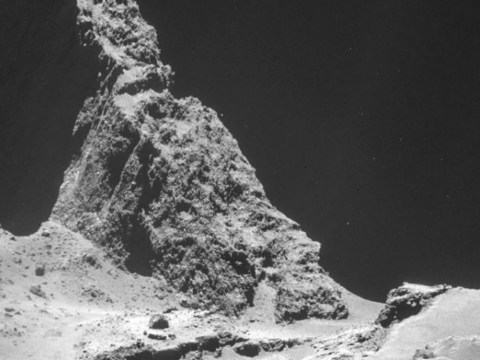 Rosetta probe hears mysterious 'crackling' from inside comet