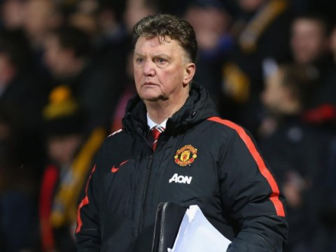Will Manchester United sign a defender before Monday's transfer deadline?
