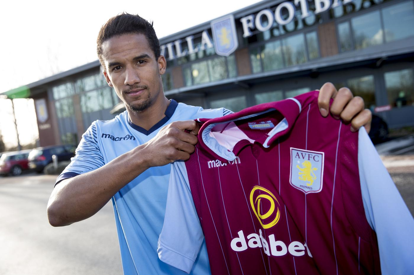 Can Aston Villa's new transfer signing Scott Sinclair overcome the curse of the number nine shirt?