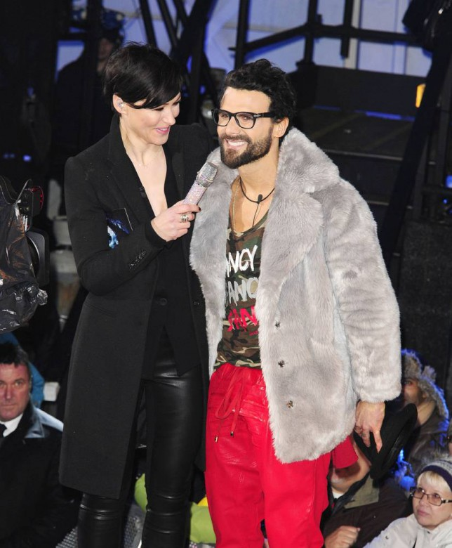 7.JANUARY.2015 - LONDON - UK EMMA WILLIS WITH JEREMY JACKSON AS HE ENTERS THE CELEBRITY BIG BROTHER HOUSE AT ELSTREE STUDIOS IN BOREHAMWOOD, ENGLAND 2015 CELEBRITY BIG BROTHER BYLINE MUST READ : XPOSUREPHOTOS.COM ***UK CLIENTS - PICTURES CONTAINING CHILDREN PLEASE PIXELATE FACE PRIOR TO PUBLICATION *** **UK CLIENTS MUST CALL PRIOR TO TV OR ONLINE USAGE PLEASE TELEPHONE   44 208 344 2007 **
