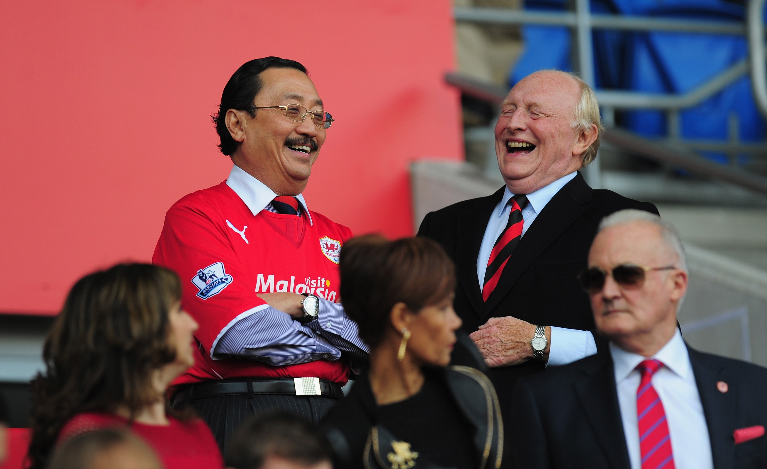 Will Vincent Tan change Cardiff City's home red strip back to blue?