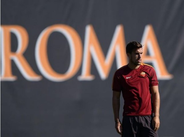 Kevin Strootman is set to stay at Roma