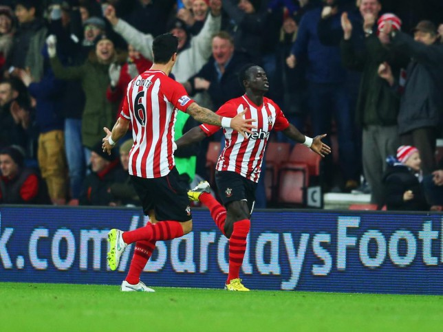 Sadio Mane and Dusan Tadic help Southampton sweep aside Arsenal to keep Champions League dream alive