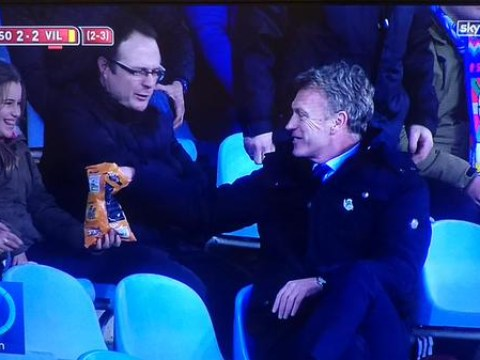 David Moyes steals crisps from fans after being sent off for Real Sociedad