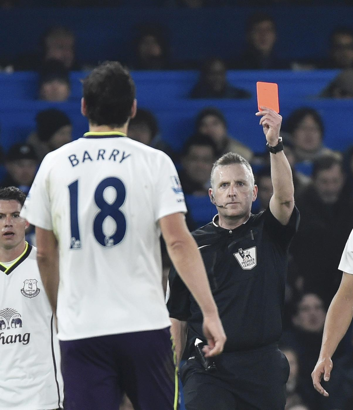 Gareth Barry suspension gives Everton hope as Toffees can finally play best midfield pairing against Leicester City
