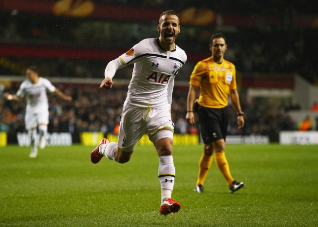Roberto Soldado nets sweet volley to give Tottenham Hotspur Europa League lead over Fiorentina