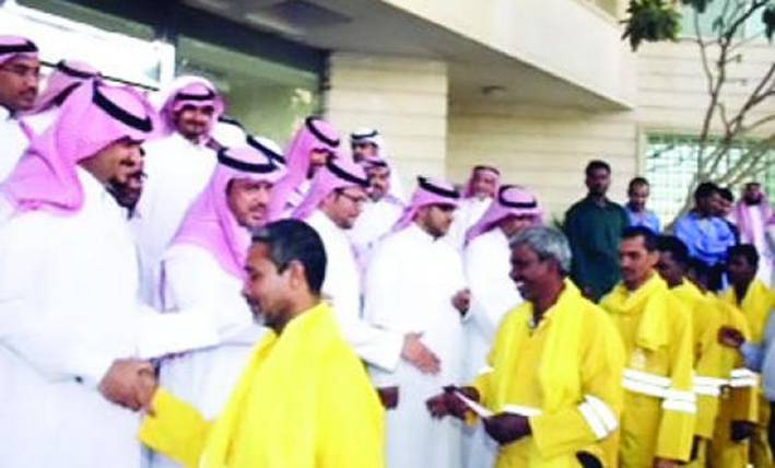 In a unusual and generous gesture, Saudi employees shared their two-month salary bonus with 250 cleaning workers.