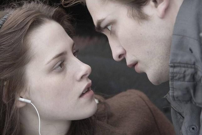 Film: Twilight (2008). Kristen Stewart as Bella Swann and Robert Pattinson as Edward Cullen.