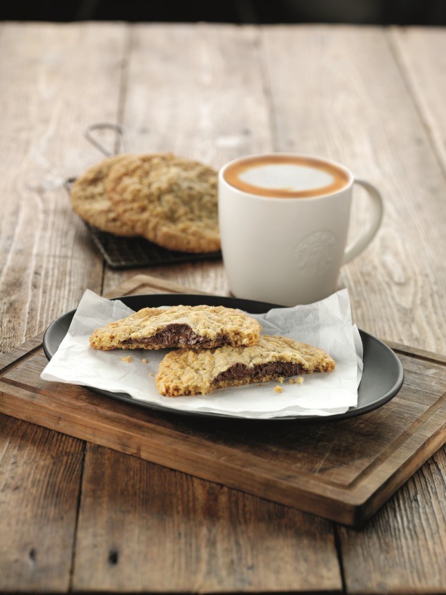 We're going nuts for Starbucks' dreamy new oat cookie filled with Nutella