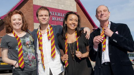 Waterloo Road: Fans get totes emosh at ending of last ever show