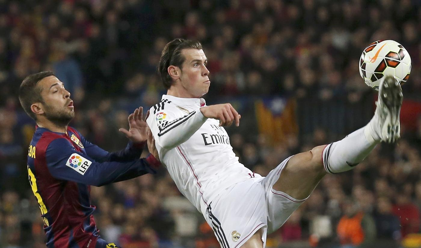Gareth Bale to snub advances from Manchester United, Chelsea and Manchester City for Real Madrid stay despite Bernabeu boo-boys