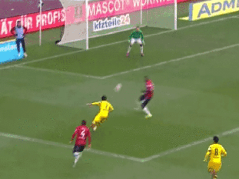 Manchester United 'flop' Shinji Kagawa gives masterclass for Borussia Dortmund with goal and assist