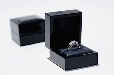 This engagement ring box has an inbuilt camera to capture your proposal