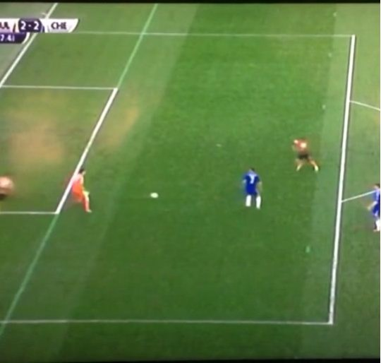 Thibaut Courtois gifts Hull City an equaliser (Picture: Vine)