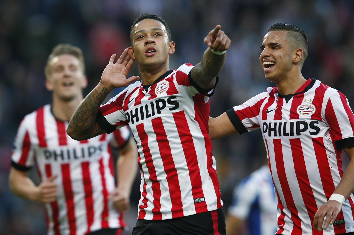 PSV's Memphis Depay shows why he's a transfer target for Manchester United after scoring sublime free-kick