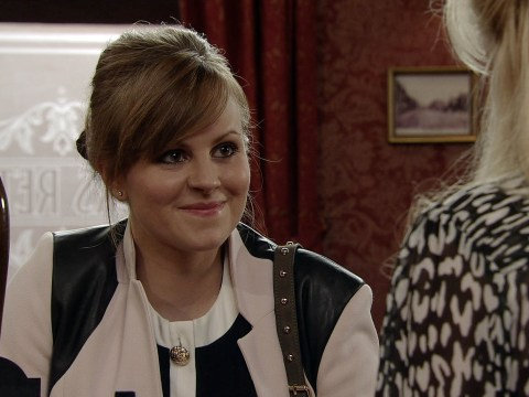 Chaos on the cobbles as Coronation Street set is 'invaded' by flying ants