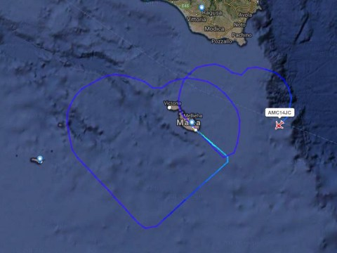 Air Malta newlyweds celebrate by 'drawing' hearts in the actual sky