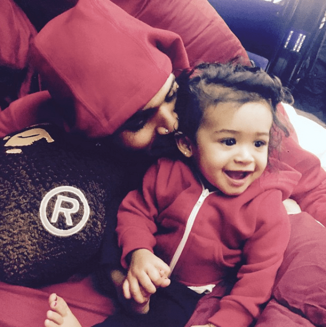 Chris Brown posts first pictures with his baby daughter