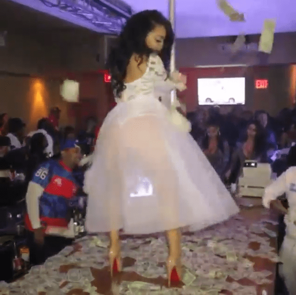 Not your average wedding dance: Bride shows off her twerking and pole dancing skills in front of her guests