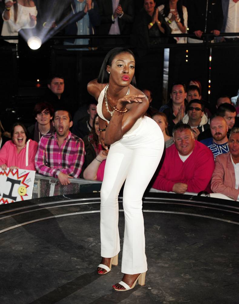 Big Brother 2015: Adjoa Mensah shocks Kieran McLeod with sexuality reveal, admits she fancies Sarah