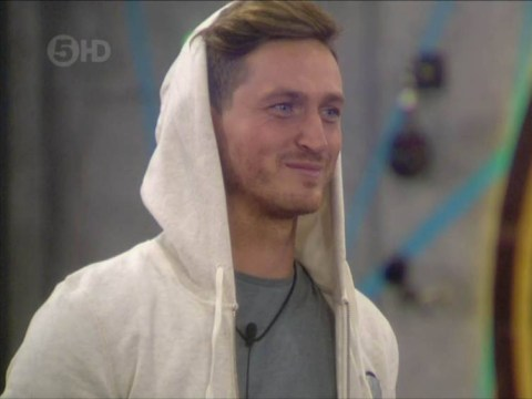 Big Brother 2015 mega news: Danny Wisker makes a play for twins Amy and Sally Broadbent