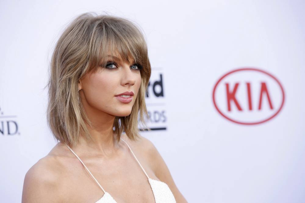 Teacher promises that if Taylor Swift calls him he'll cancel end of year exams