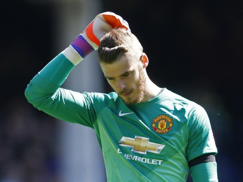 Manchester United keeper David de Gea 'set to snub Real Madrid and sign two-year deal at Old Trafford'