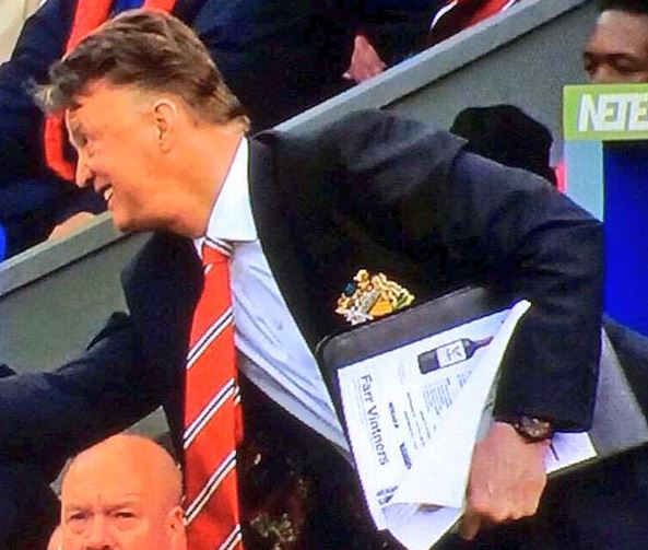 Louis van Gaal reveals wine list in tactics folder during Crystal Palace v Manchester United