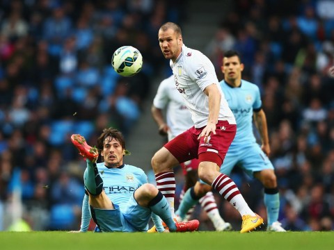 Manchester United 'close in on free transfer of Aston Villa centre-back Ron Vlaar'