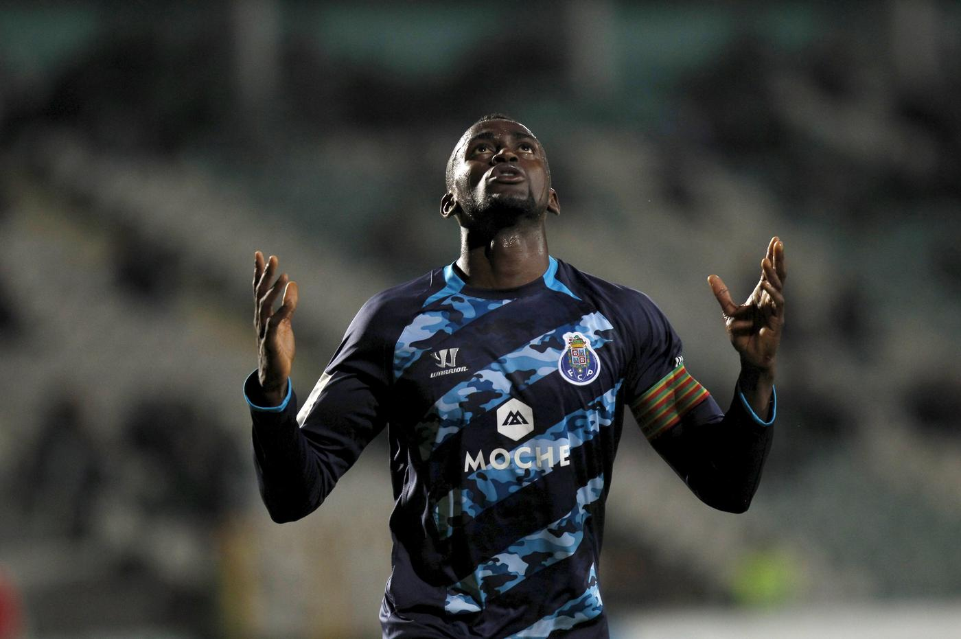 Arsenal 'cleared to make transfer bid for Jackson Martinez as Porto start search for replacements'