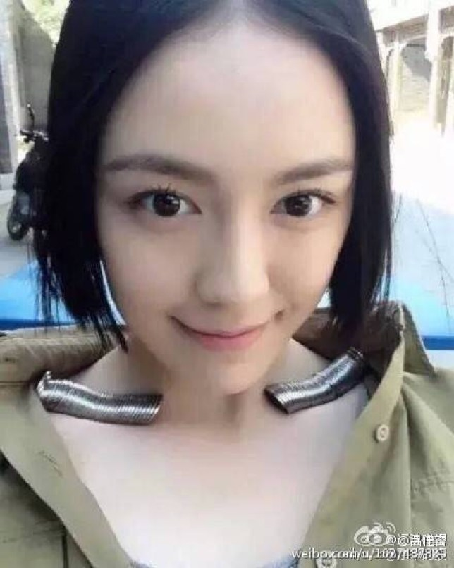 Chinese actress Lv Jiarong has joined in with the collarbone coin challenge