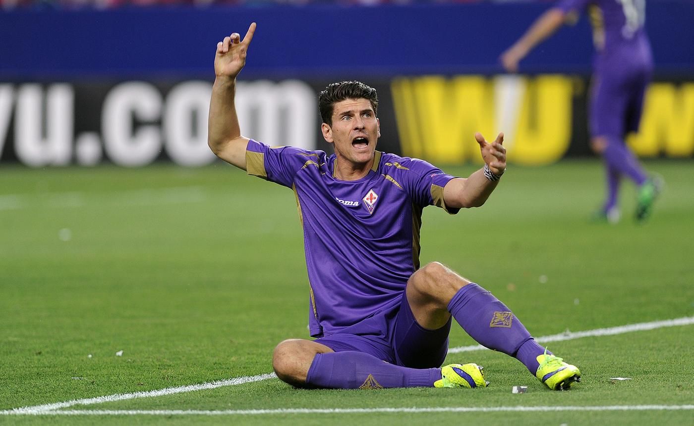 Liverpool 'register interest in completing transfer of Fiorentina striker Mario Gomez'