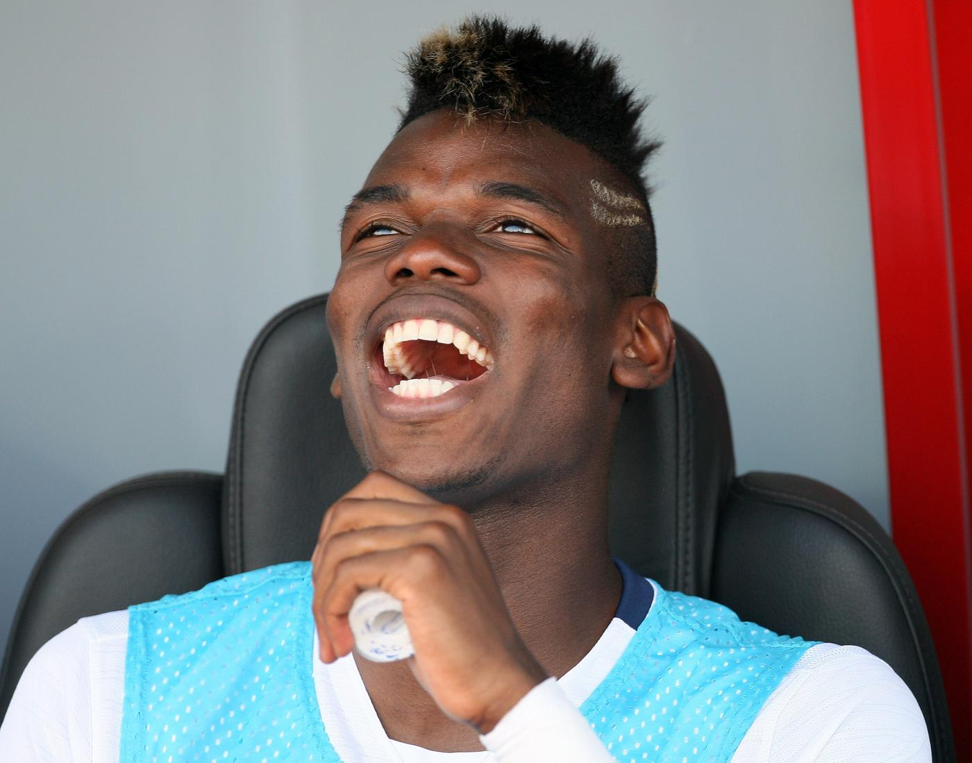 Chelsea go toe-to-toe with Barcelona in transfer race for Juventus' Paul Pogba