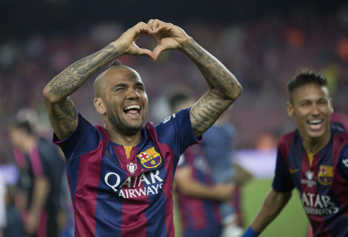 Manchester United transfer target Dani Alves will not join Paris Saint-Germain, says manager Laurent Blanc