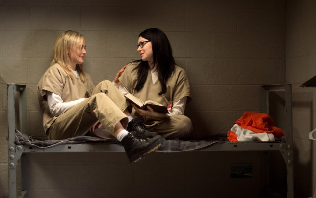 alex and piper hook up in prison