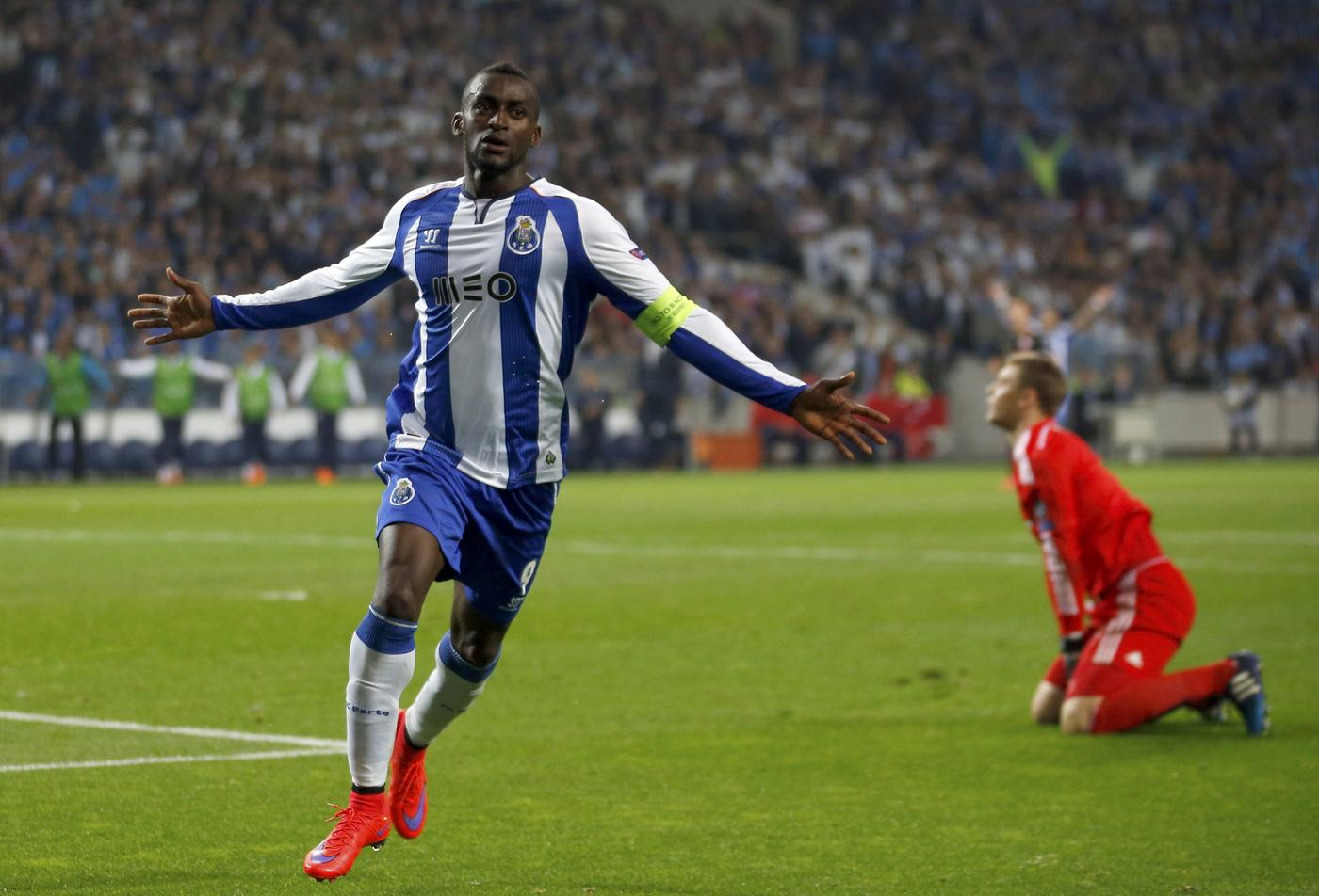 Arsenal 'believe Porto will accept £21.9m transfer offer for Jackson Martinez'