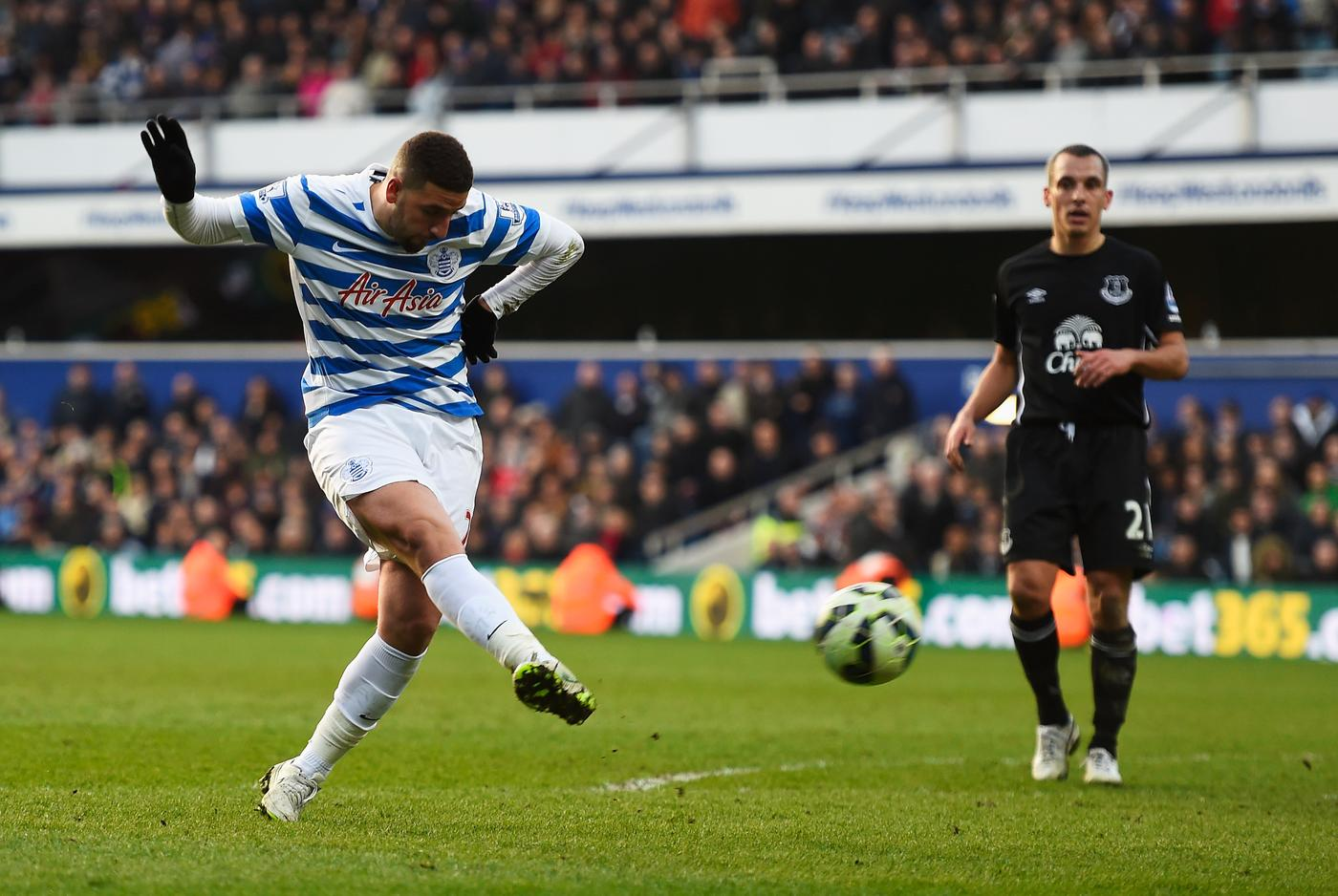 QPR outcast Adel Taarabt completes transfer to Portuguese champions Benfica