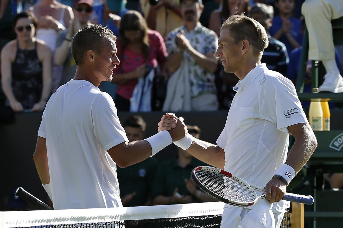 Wimbledon 2015: Lleyton Hewitt gets rousing send-off after making last SW19 appearance