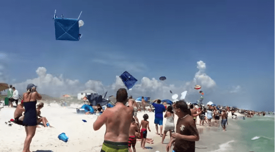 The pilot totally tolled everyone on the beach (Picture: YouTube/Mr JasonMx3)