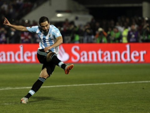 Liverpool 'lining up Gonzalo Higuain transfer bid with Raheem Sterling cash'