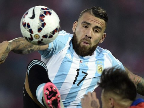 Nicolas Otamendi 'wants Manchester United transfer after being convinced by Louis van Gaal'