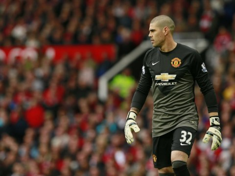 Newcastle close to transfer of Manchester United goalkeeper Victor Valdes on emergency loan – report