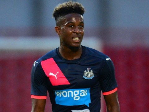 Arsenal 'ready to grab Rolando Aarons transfer after Newcastle contract row'