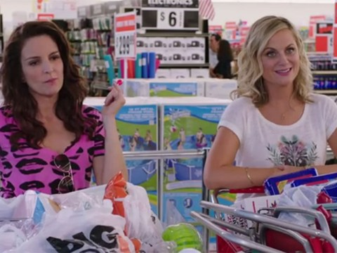 Tina Fey and Amy Poehler are partying up a storm in the newest trailer for Sisters